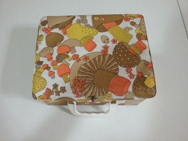 Vintage Aladdin Square Mushroom Lunchbox