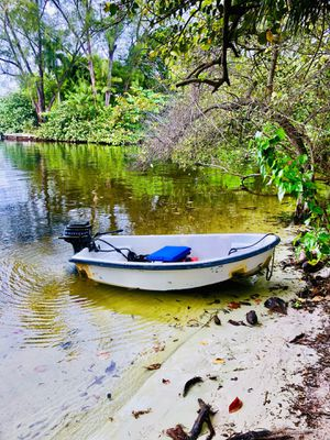 Small boat for trade. for Sale in Fort Lauderdale, FL