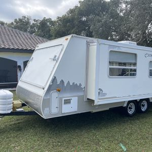2008 kodiak with Large slide Out for Sale in Ocoee, FL