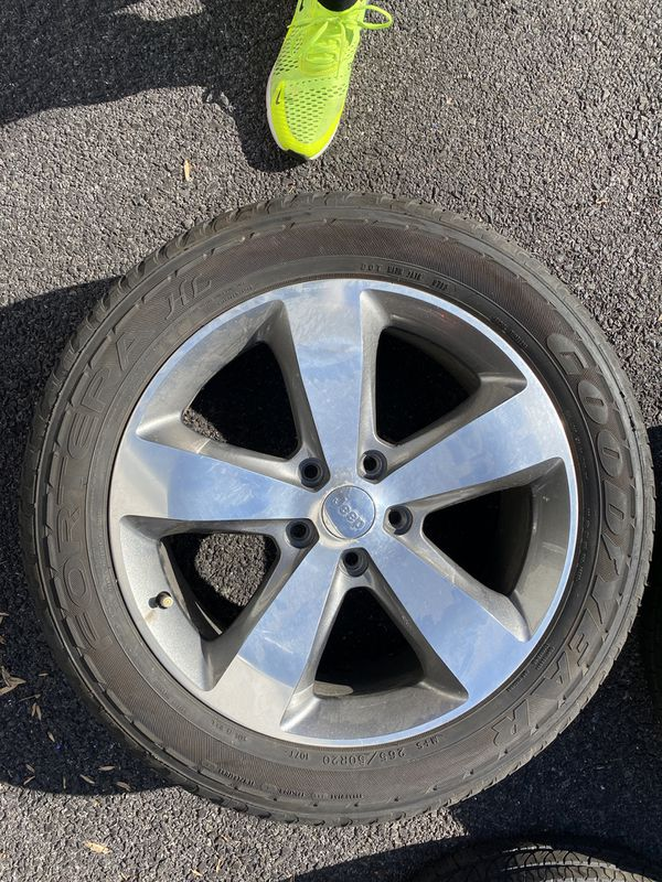 Alloy Jeep Grand Cherokee Rims and Tires combo. With Wheel lock and key !
