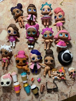 Lot of LOL dolls with accessories for Sale in Cicero, IL