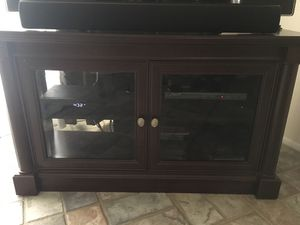 """Wooden TV stand/furniture 49"""" for Sale in Orlando, FL"""