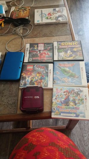 Nintendo 3DS XL plus games and game case for Sale in Surprise, AZ