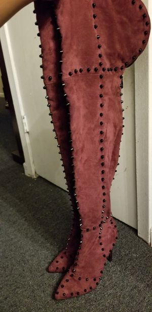 Thigh high fashion boots size 10 for Sale in Calumet City, IL