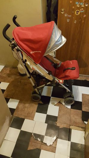 Uppa baby gluxe light weight stroller for Sale in New York, NY
