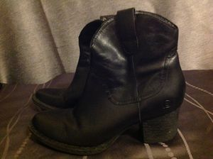 Black leather cowboy boots women's size 7.5 for Sale in Sunnyvale, CA