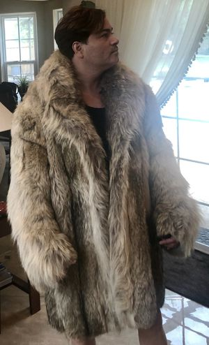 Fur Coat Fox Patagonia ! Superb Quality ! 3/4 length for Sale in Orlando, FL