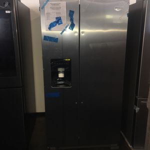 Whirlpool side by side refrigerator stainless for Sale in San Luis Obispo, CA