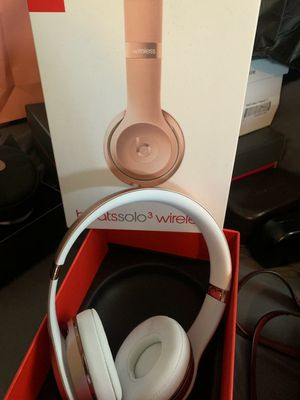 Beats Solo 3 Brand New for Sale in Los Angeles, CA