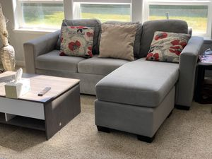 Nice Stanton sectional with full size sleeper for Sale in Portland, OR