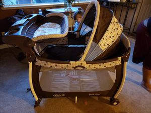 GRACO PACK N PLAY BASSINET/CHANGING TABLE & SLEEPER for Sale in Escondido, CA