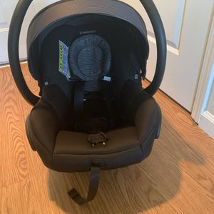 MaxiCosi Mico Infant Car Seat In Great Shape, Super Light for Sale in Danville, CA