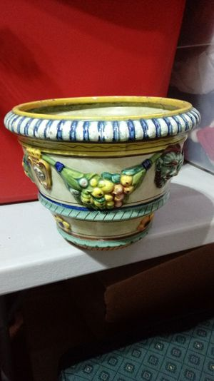 Beautiful ceramic planter pot for Sale in Brentwood, TN