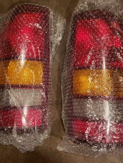 Gmc Taillight for Sale in San Antonio,  TX