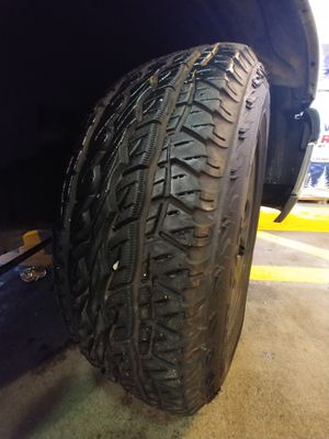 Sport sat tires chevy Wheels for Sale in Lynnwood, WA