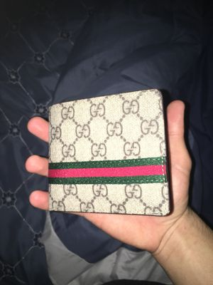 Gucci wallet for Sale in Austin, TX