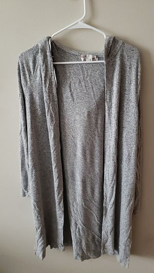 Gray quarter sleeve cardigan with hoodie, size L for Sale in Orlando, FL