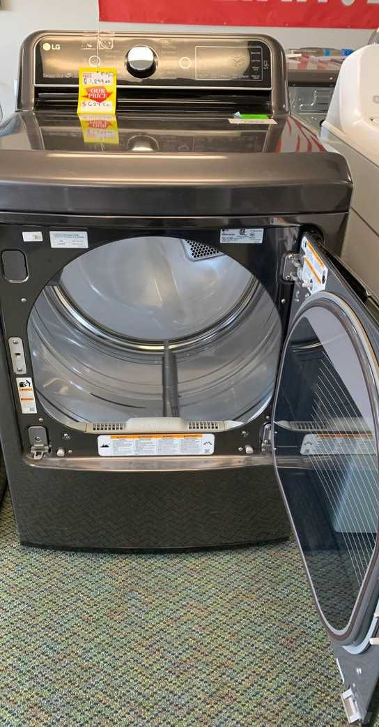 BRAND NEW!! LG WASHER AND ELECTRIC DRYER TL C