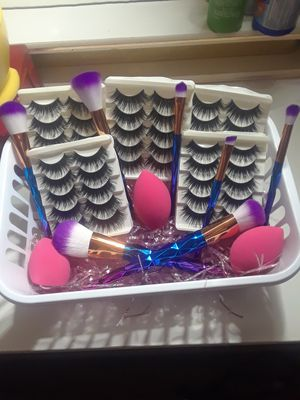 Mother's day makeup basket! for Sale in Phoenix, AZ