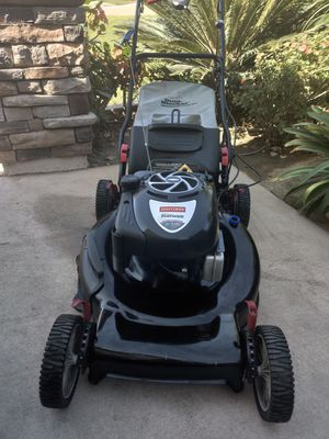 Craftsman self propelled lawn mower Platinum edition 7HP LIKE NEW for Sale in Riverside, CA