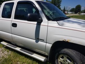 2001 Chevy Silverado Ext Cab for Sale in Crestline, OH