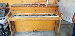 Free Piano Come Get It for Sale in Los Angeles, CA