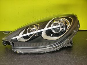 Porsche macan 2015 2016 2017 2018 headlight for Sale in Wilmington, CA