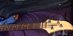 Bajo electrico for Sale in Anaheim, CA