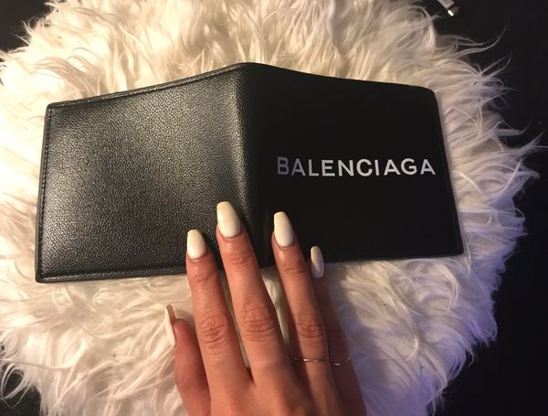 Balenciaga wallet!!