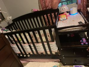 Baby crib with changer and mattress for Sale in Phoenix, AZ