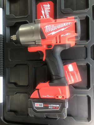 MILWAUKEE M18 FUEL 2863-20 ONE - KEY BLUETOOTH WIFI HIGH TORQUE IMPACT WRENCH W 5.0 BATTERY BRAND NEW 1400lbs TORQUE for Sale in Virginia Beach, VA