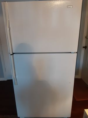 Top and bottom refrigerators like new with warranty can deliver trade in welcome for Sale in BRECKNRDG HLS, MO