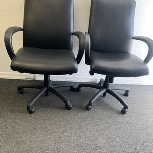 Cabot Wrenn Executive Black Leather Edge Conference Desk Chair for Sale in Phoenix, AZ