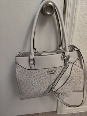 Guess Purse for Sale in Tempe, AZ