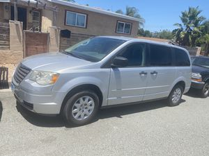 2008 Chrysler Town & Country Mini van for Sale in Spring Valley, CA