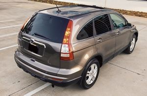 SELLING HONDA CRV 2010 SILVER COLOR GRAY CLOTH SEATS for Sale in Jacksonville, FL