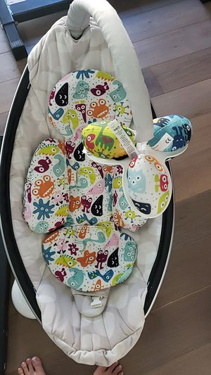 4 MOMS MamaRoo Infant/Baby Swing for Sale in San Diego, CA