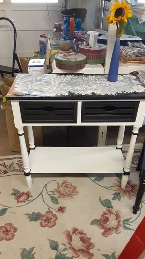 Nicely Redone Side Table for Sale in College Park, GA