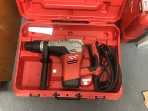 Milwaukee (Corded) New Rotary Hammer SDS MAX $300 for Sale in Corona, CA
