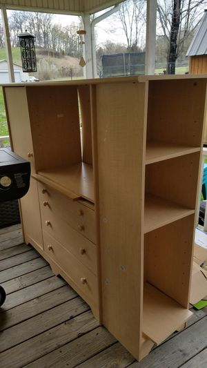 Dresser for Sale in Blountville, TN