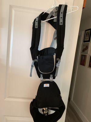 Baby Carriers- like new for Sale in Marble Falls, TX