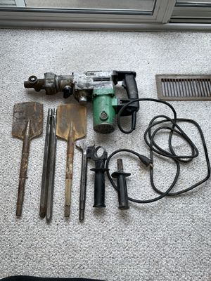 Hitachi DH38YE Rotary Hammer/chipping hammer and Attachments for Sale in Alexandria, VA