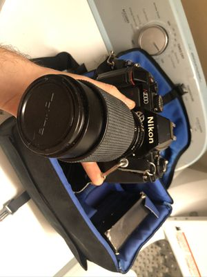 Nikon N2000 with Camera Bag and Large Lense for Sale in Port St. Lucie, FL