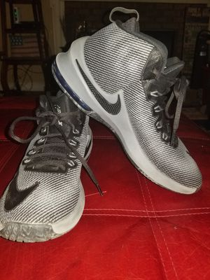 Nike Air Max Infuriate 2 Mid Men Basketball Shoes Sneakers Size 8.5 for Sale in Lilburn, GA