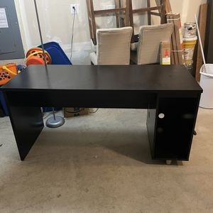 Dark Wood Computer Desk for Sale in Puyallup, WA