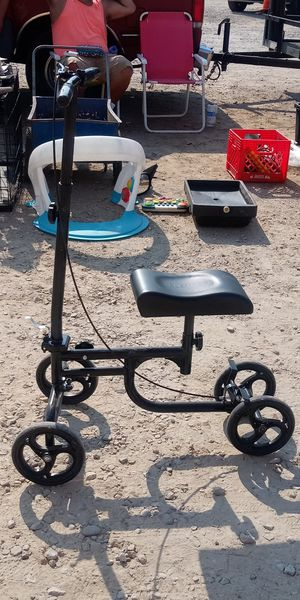Knee scooter for Sale in Columbus, OH