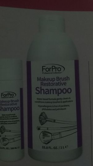 Makeup brush restorative shampoo for Sale in Alafaya, FL