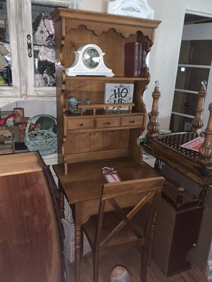 ADORABLE VINTAGE SECRETARY DESK (SOLID WOOD) WITH CHAIR for Sale in Orlando, FL