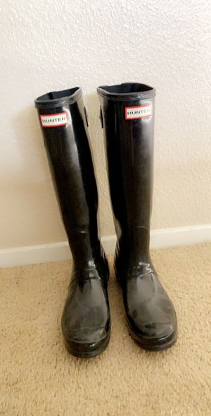 Size 8 (fit like 8 1/2) Female Original Back Adjustable Gloss Rain Boots for Sale in Rancho Cucamonga, CA