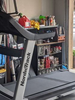 NordicTrack Commercial 1750 Treadmill for Sale in San Mateo,  CA